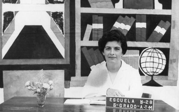 Mi mamá, Herminia , cuando enseñaba en la Escuela Nº28 de Burzaco donde yo también fuí