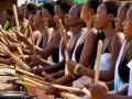 chicas y tambor