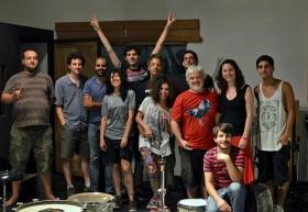 Con todo el equipo grabación de Tal Banda