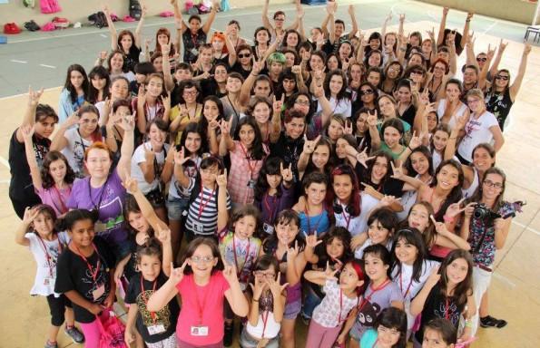 Participantes y profesoras del Girls Rock Camp Brasil 2013