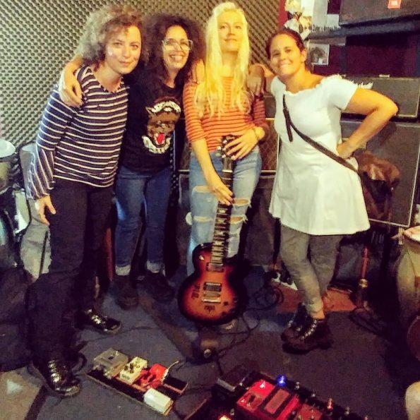 Listas para el show, Sol Bassa, Josefina Anselmo y Sandra Vazquez
